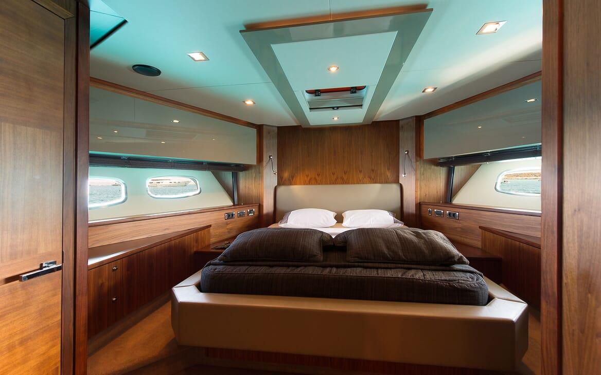 Motor Yacht ALVIUM Double Stateroom