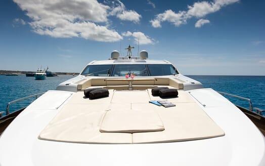 Motor Yacht ALVIUM Bow Sunpad