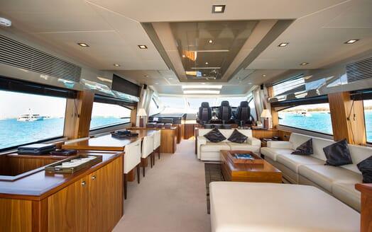 Motor Yacht ALVIUM Main Saloon 2
