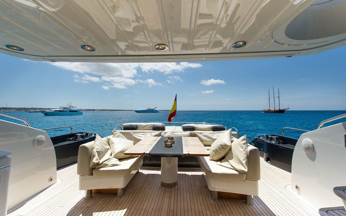 Motor Yacht ALVIUM Aft Deck Dining Table