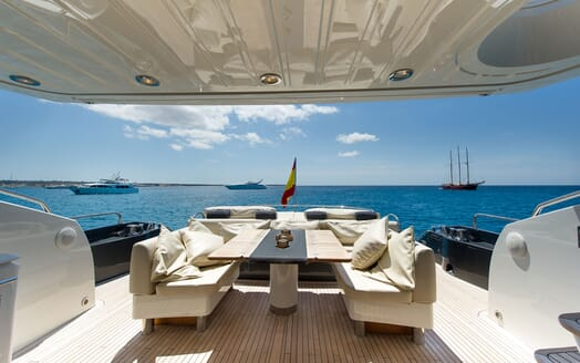 Motor Yacht ALVIUM Aft Deck Dining Table