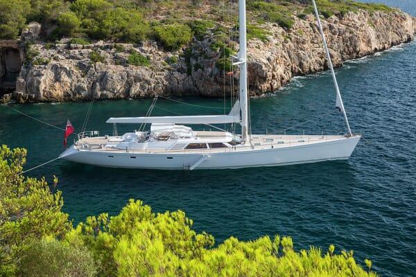 Sailing Yacht SPIIP Hero Exterior