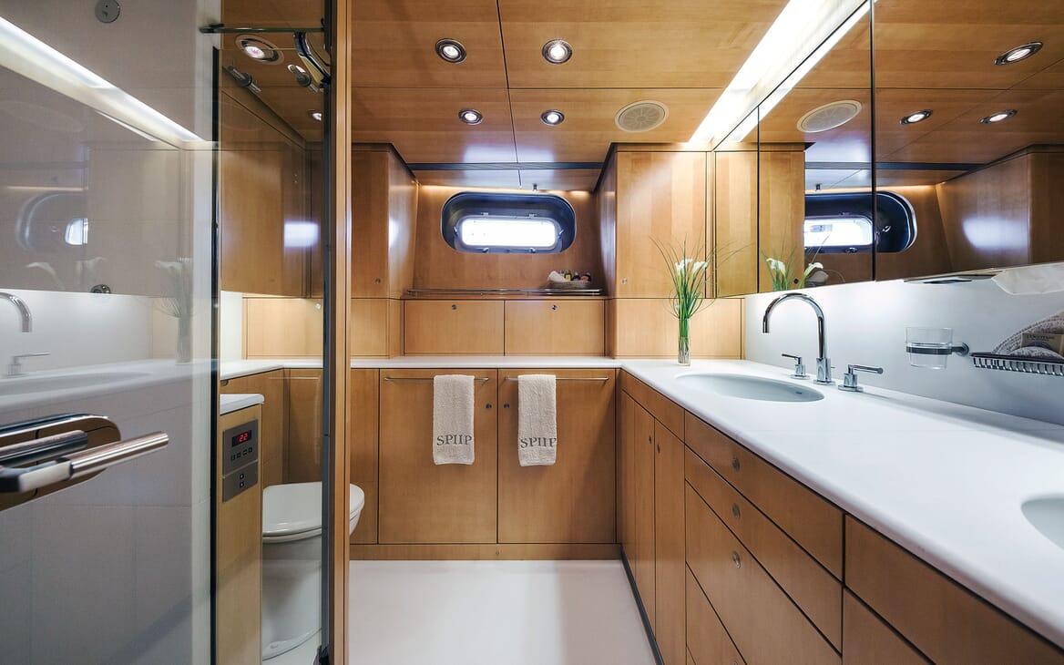 Sailing Yacht SPIIP Master Bathroom