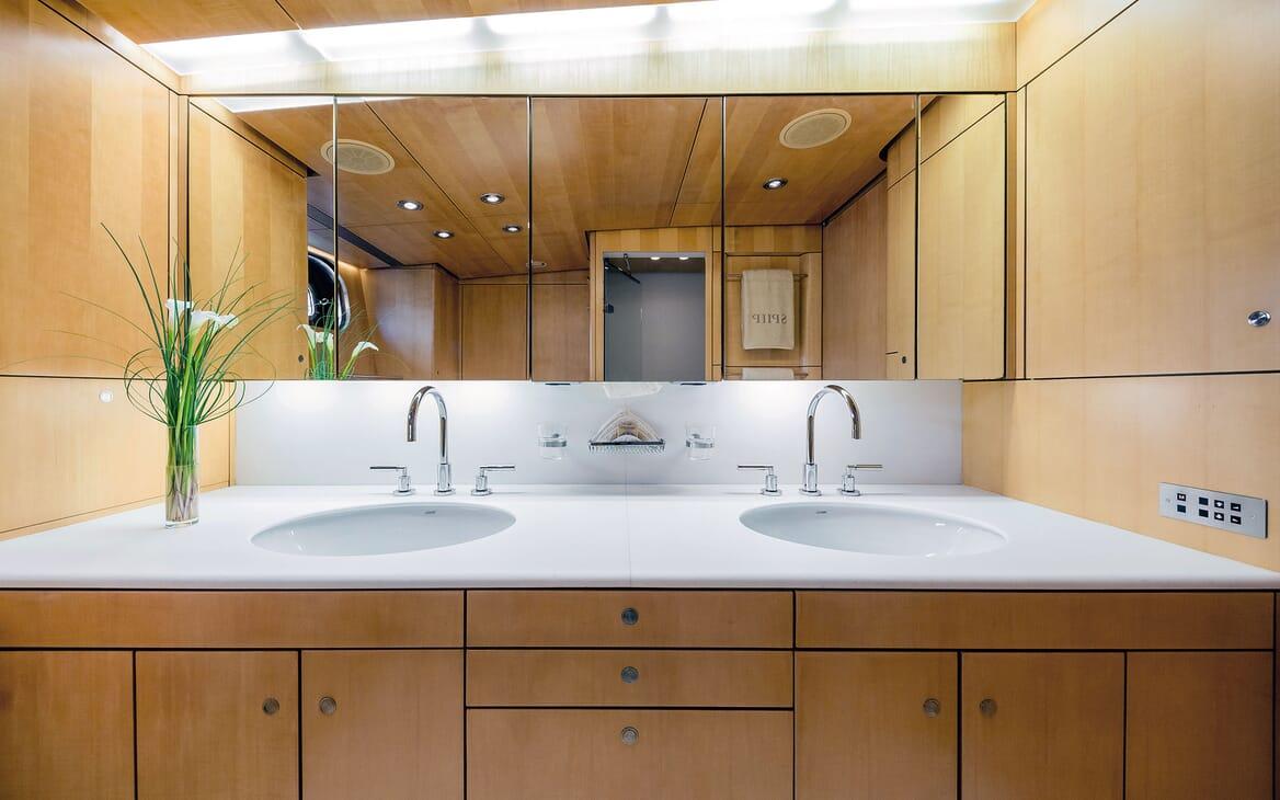 Sailing Yacht SPIIP Master Batroom His & Hers Sinks