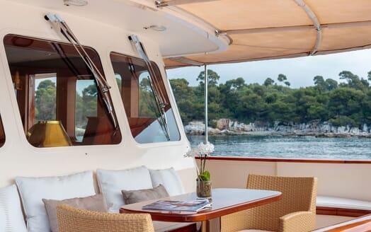 Motor Yacht ARIONAS Forward Seating