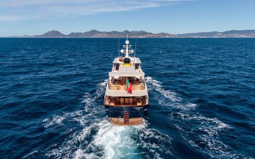 Motor Yacht ARIONAS Aft Underway