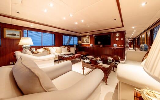 Motor Yacht ARIONAS Main Deck Salon TV