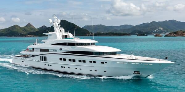 Motor Yacht SECRET Profile