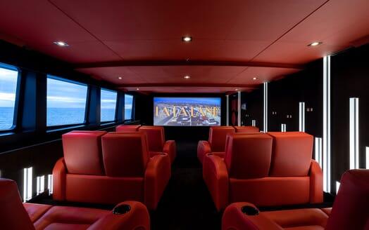 Motor Yacht SECRET Cinema