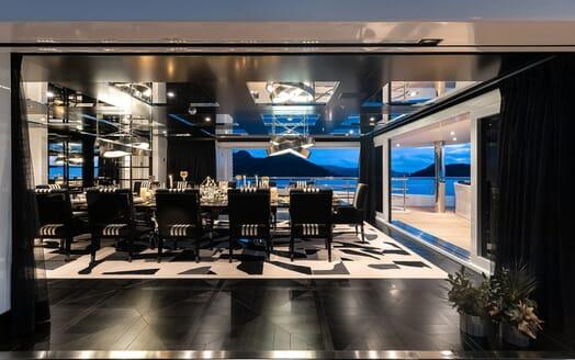 Motor Yacht SECRET Main Deck Dining Table