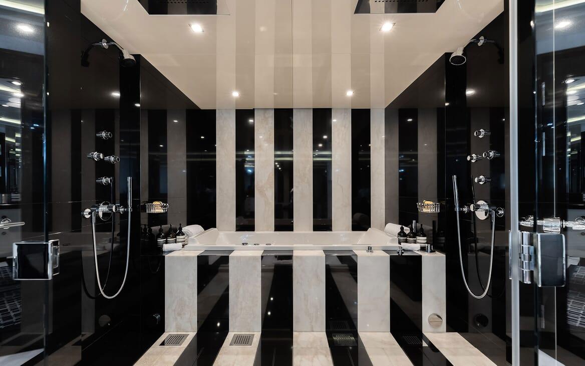 Motor Yacht SECRET Bathroom