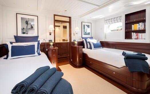 Motor Yacht Soprano twin cabin