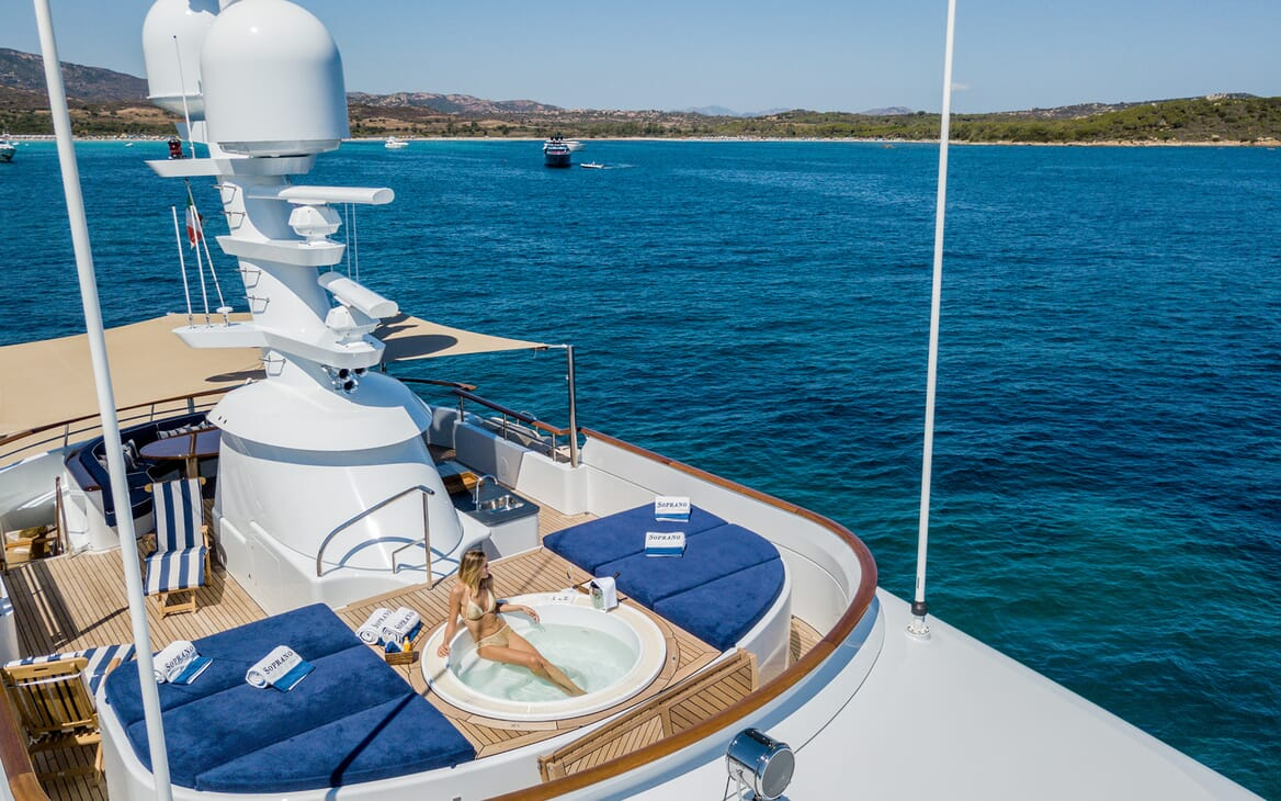 Motor Yacht Soprano sundeck