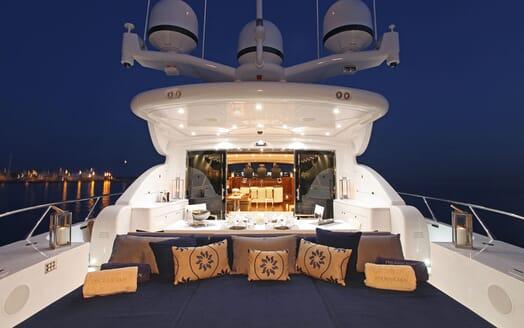 Motor Yacht PHOENICIAN Evening Sun Pad