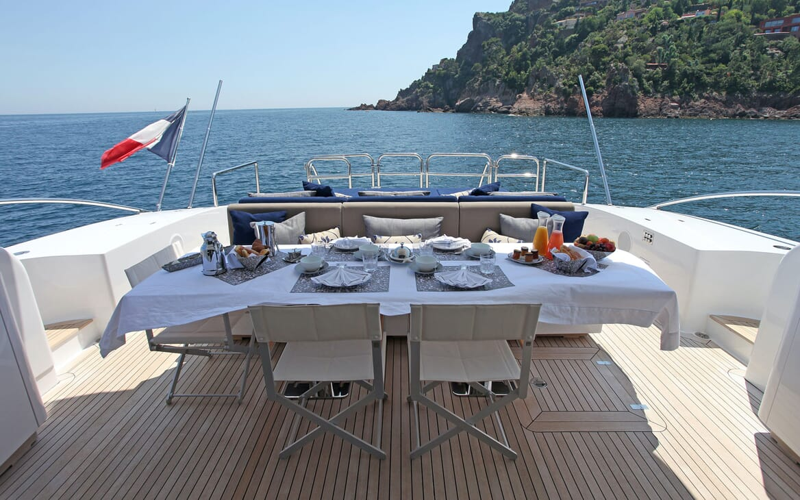 Motor Yacht PHOENICIAN Aft Deck Dining Table
