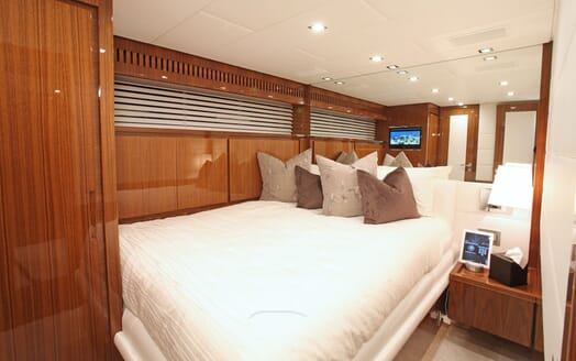 Motor Yacht PHOENICIAN Double Guest Stateroom