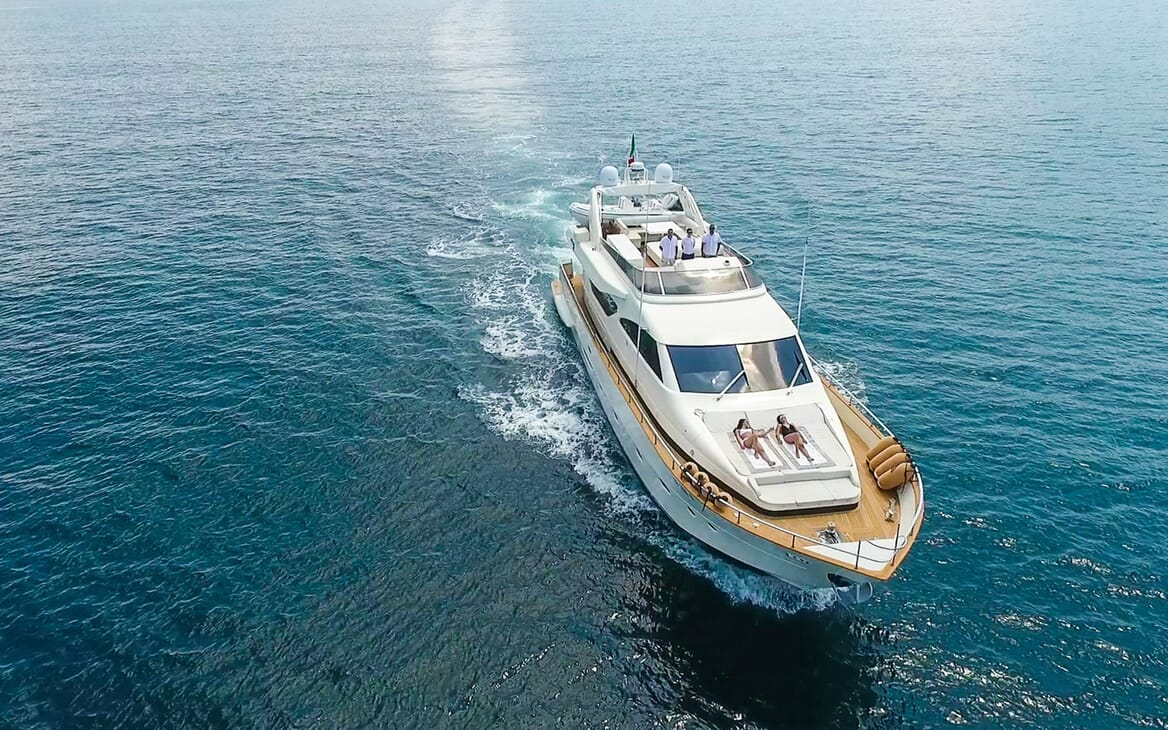 Motor Yacht Riviera running shot
