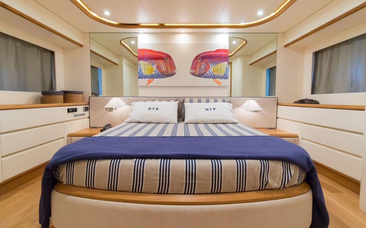 Motor Yacht Riviera double cabin