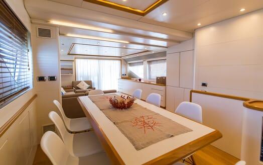 Motor Yacht Riviera dining area