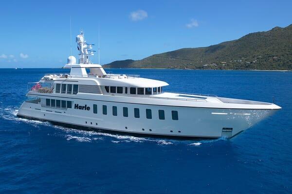 Motor Yacht HARLE Profile