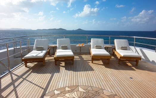 Motor Yacht HARLE Sun Deck Aft Loungers