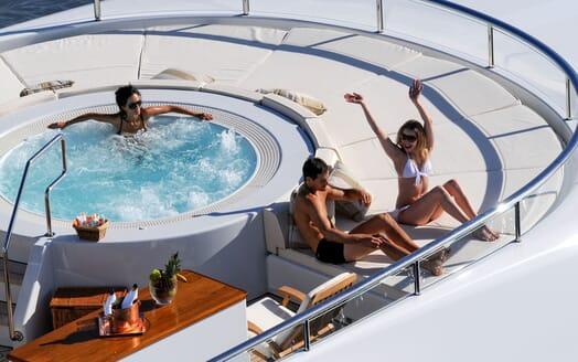 Motor Yacht HARLE Sun Deck Jacuzzi