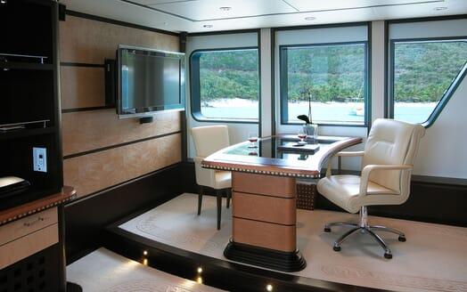 Motor Yacht HARLE Master Stateroom Desk