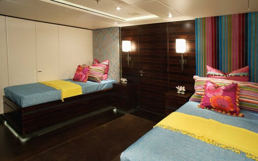 Motor Yacht Inception twin cabin