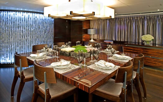 Motor Yacht Inception dining area