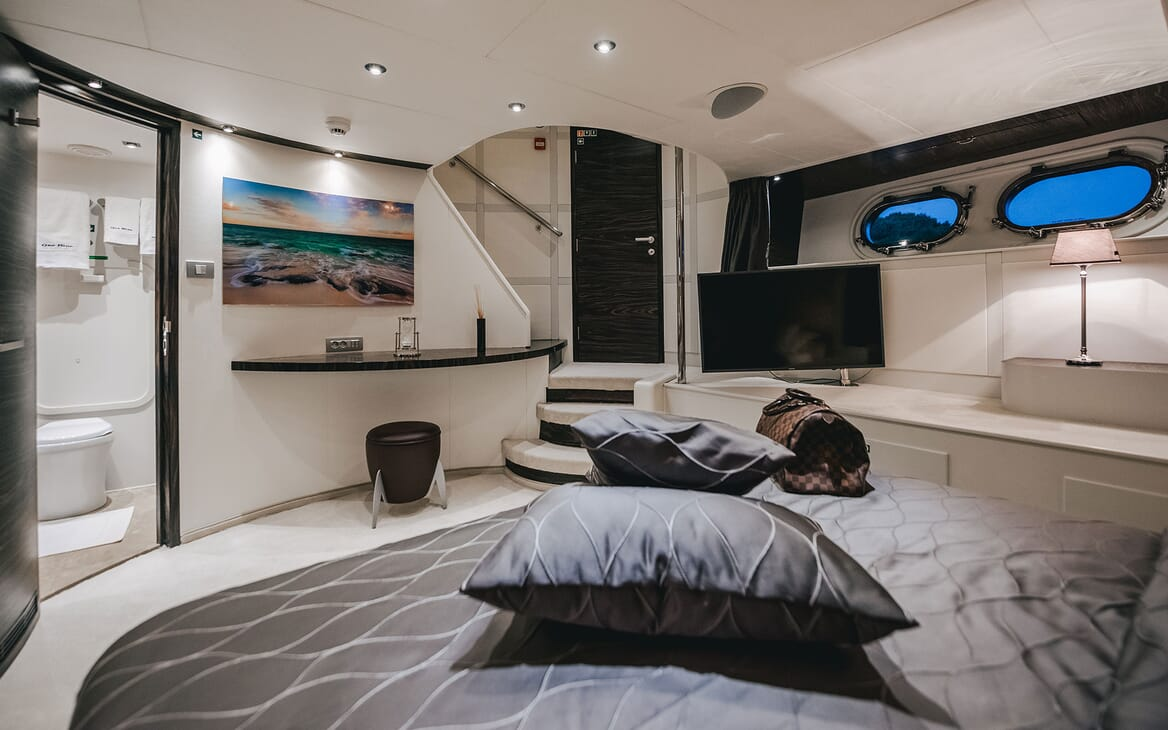 Motor Yacht ONE BLUE VIP Double Stateroom TV
