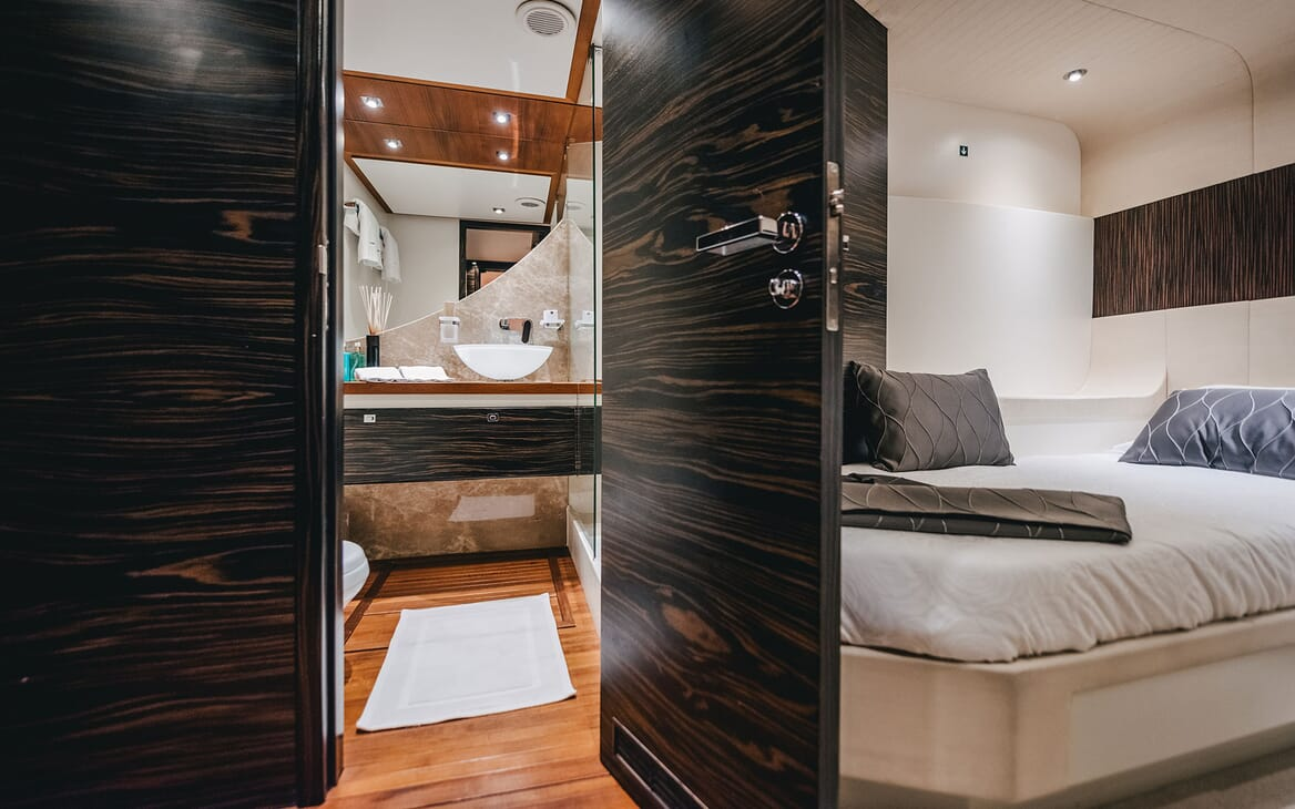 Motor Yacht ONE BLUE Twin Guest Stateroom and Bathroom