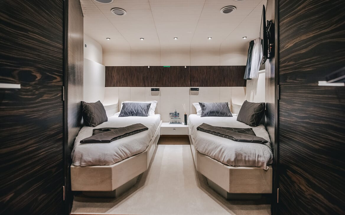 Motor Yacht ONE BLUE Twin Guest Stateroom