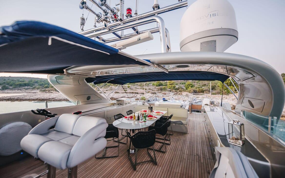 Motor Yacht ONE BLUE Sun Deck Dining Table