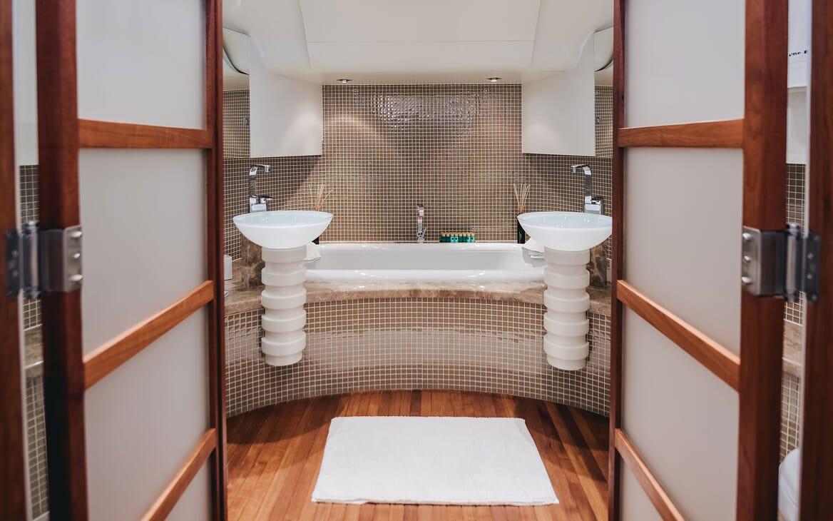 Motor Yacht ONE BLUE Master Stateroom Bathroom