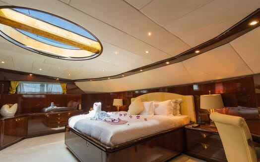 Motor Yacht XANADU OF LONDON Master Stateroom Skylight Open