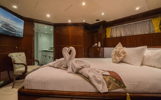 Motor Yacht XANADU OF LONDON Double Guest Stateroom