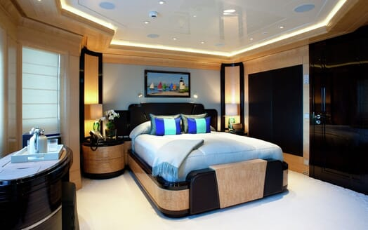 Motor Yacht ARIENCE Master Stateroom