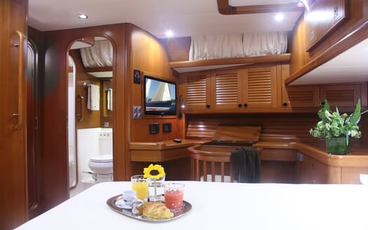 Sailing Yacht Constanter dining area
