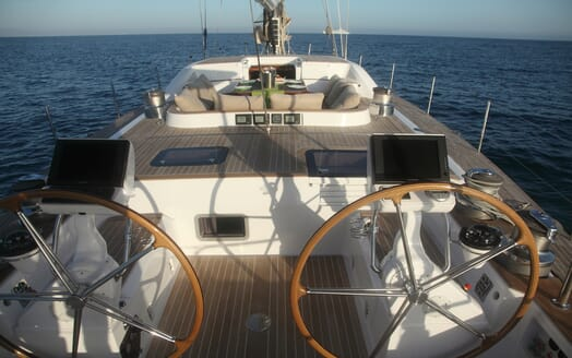 Sailing Yacht Constanter helm