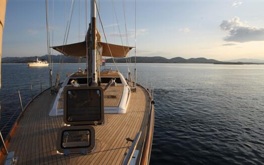 Sailing Yacht Constanter main deck