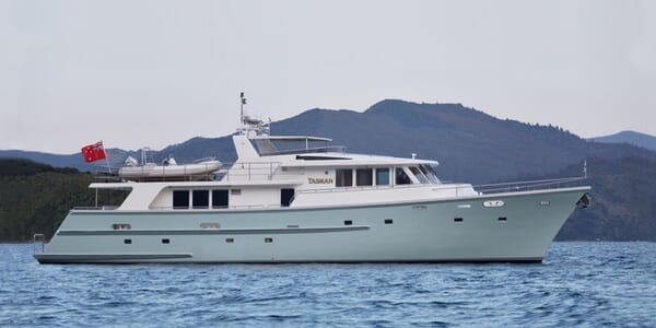 Motor Yacht TASMAN Profile