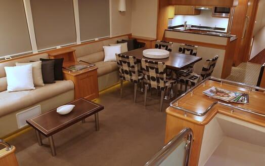 Motor Yacht TASMAN Dining Table