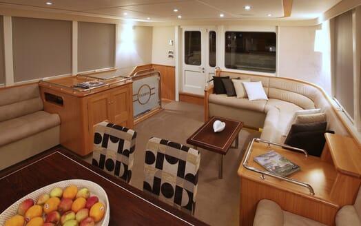 Motor Yacht TASMAN Lounge