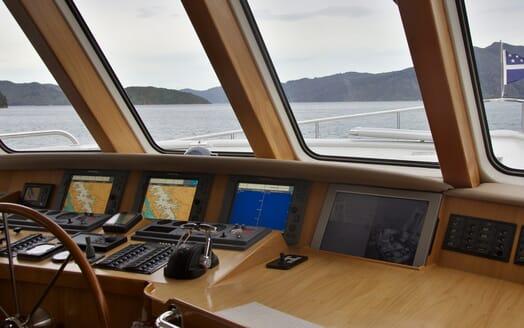 Motor Yacht TASMAN Wheel House Controls