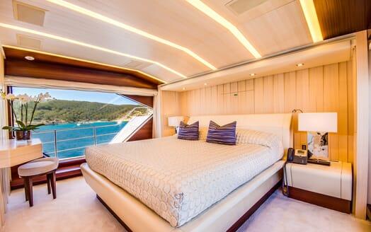 Motor Yacht LULU Main Stateroom