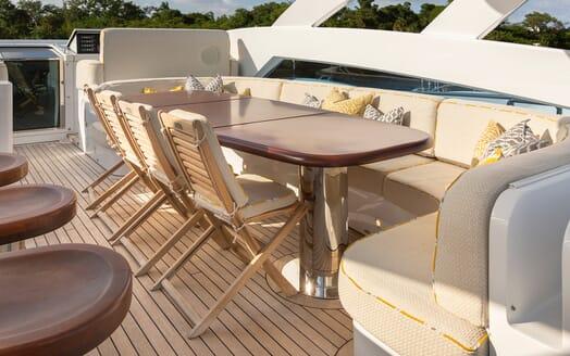 Motor Yacht Man of Steel Sun Deck Seating