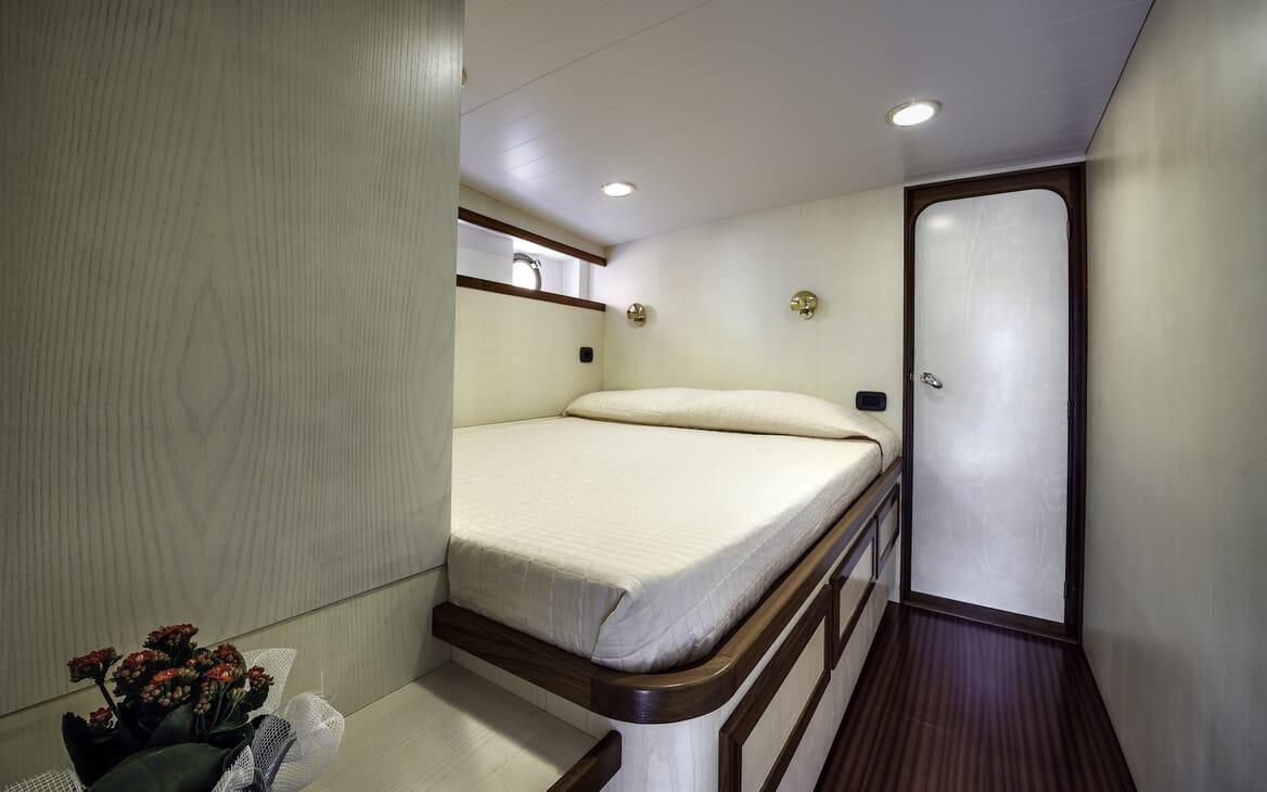 Motor Yacht Emerald  guest cabin
