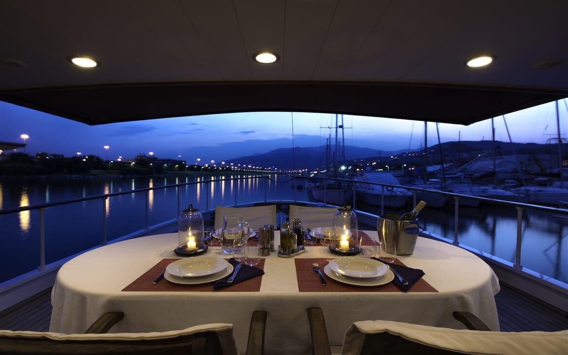 Motor Yacht Emerald  main deck