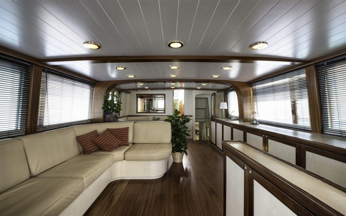 Motor Yacht Emerald  saloon