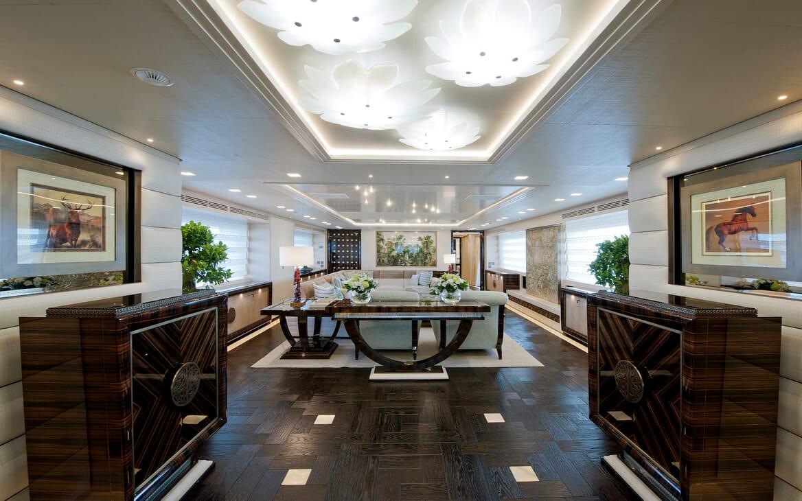 Motor Yacht Scorpion salon